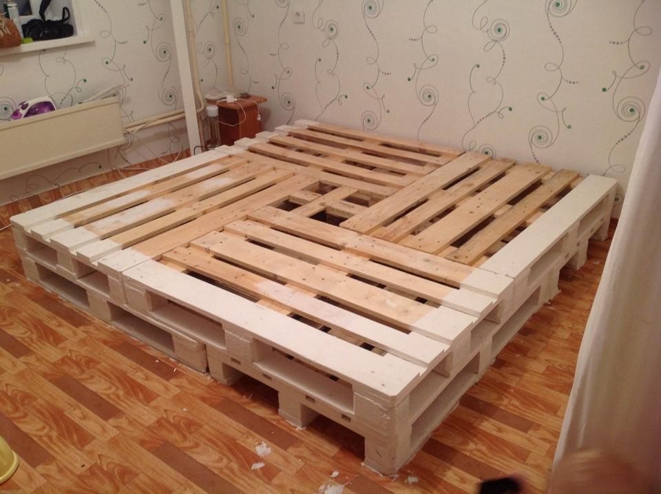 кровать из поддонов своими руками пошагово