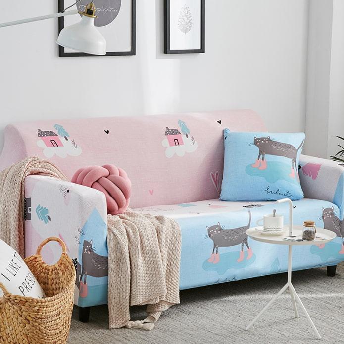 Покрывало на диван (84 фото): обзор гобеленовых накидок и вязаных пледов, выбор комплектов на диван и кресла, ковровые, меховые и другие варианты