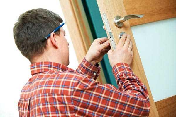 как установить межкомнатную дверь с коробкой