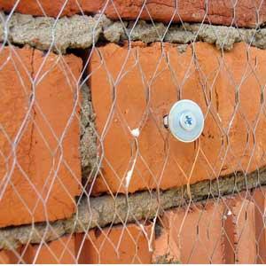 Какую стоит использовать армирующую сетку под бетон, обои, штукатурку по технологии — пластиковую, стеклопластиковую или металлическую