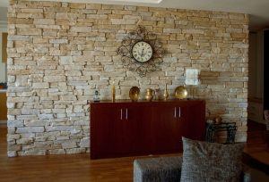 Использование гибкого камня в интерьере: фото, характеристики, особенности монтажа