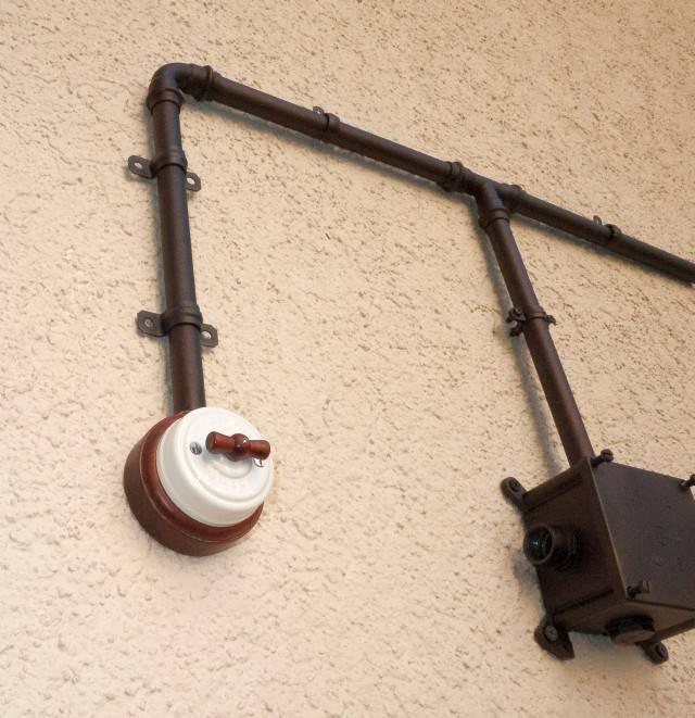 Прокладка кабеля в кабель канале в квартире фото
