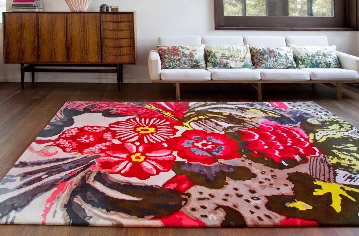Модные ковры винтерьере гостиной— сворсом, шегги идругие нафото