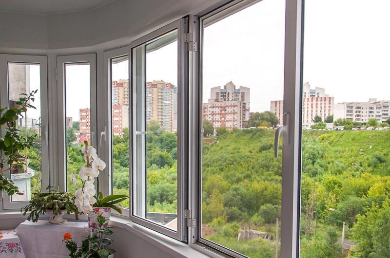 Холодное остекление балконов - виды, преимущества, недостатки