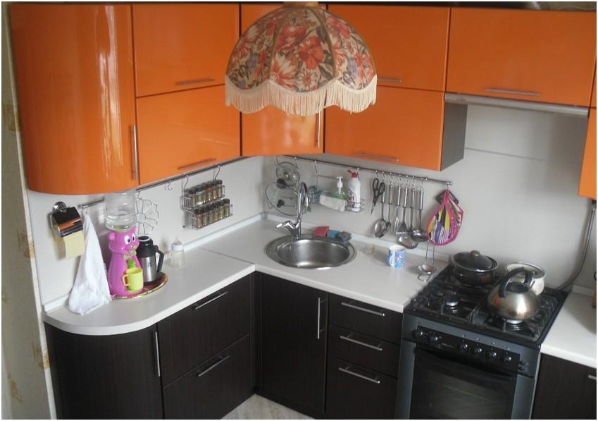 дизайн кухонного гарнитура для маленькой кухни