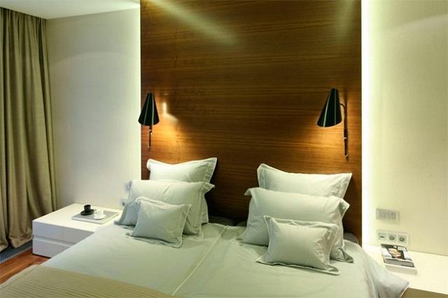 Высота бра над кроватью или у прикроватного столика в спальне, на диваном в гостиной и в других местах: как правильно измерять расстояние от пола или от потолка, на какой высоте вешать настенный светильник