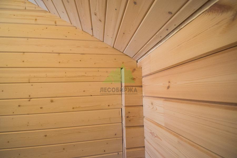Краска для имитации бруса снаружи и внутри помещения: выбор и нанесение