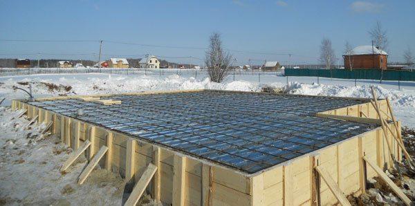 Противоморозные добавки в бетон: преимущества и недостатки