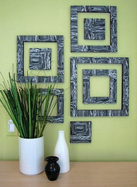 рамки на стене в интерьере
