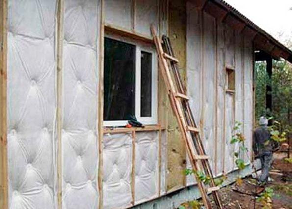 Устройство ветрозащиты каркасного дома