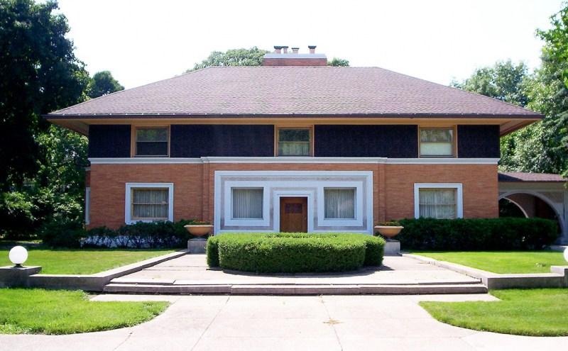 Одноэтажный дом с вальмовой крышей фото. вальмовая крыша — конструктивные особенности, правила проектирования и постройки (85 фото)