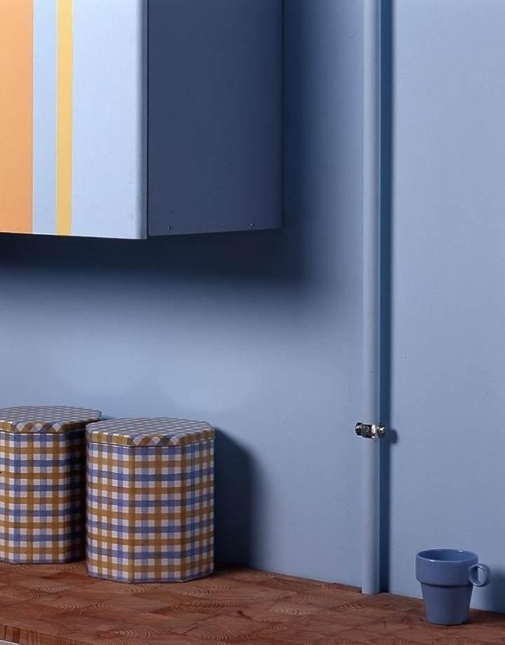 Как спрятать газовую трубу на кухне