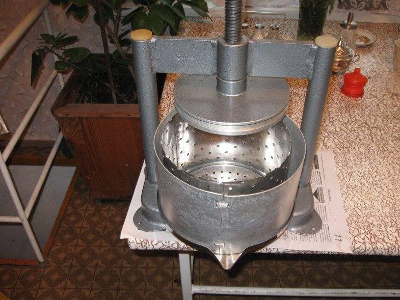 Изготовление своими руками пресса для отжима сока, описание процесса