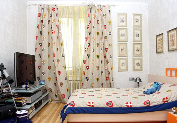 Комплект из штор и покрывала для спальни (33 фото): красивый набор элитных моделей из италии и турции