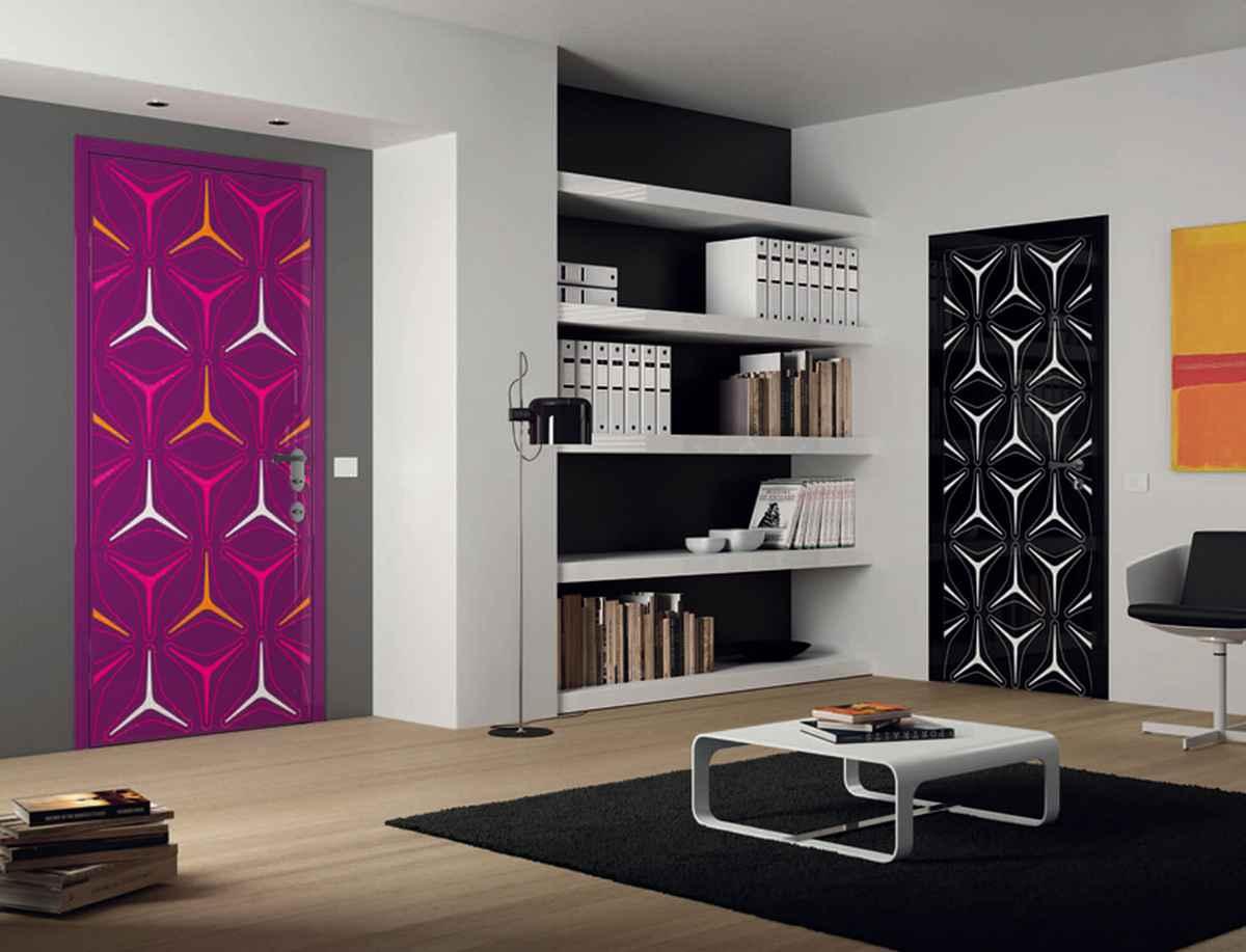 Декор и дизайн двери - оформление своими руками для межкомнатных, входных, снаружи, изнутри, как обновить и украсить с помощью наклеек, обоев, техники декупаж, венка и др + фото и видео