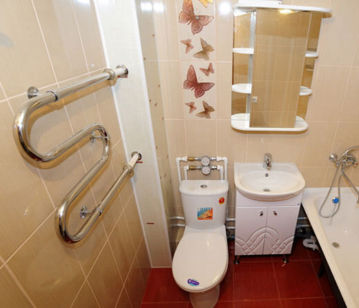 Как и чем закрыть трубы в ванной – варианты маскировки и декорирования