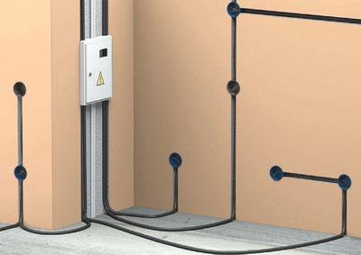 Как проложить электропроводку под полом своими руками