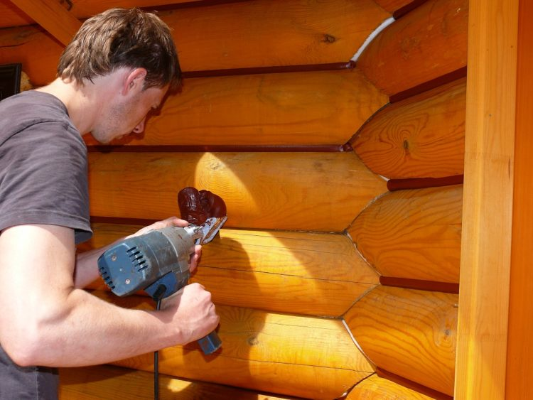 Герметик для деревянного дома – обзор материалов и производителей