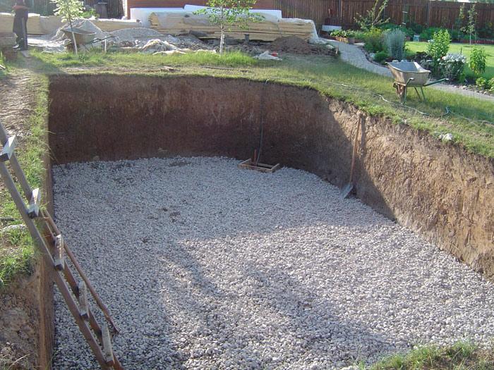 Как построить бассейн из бетона своими руками
