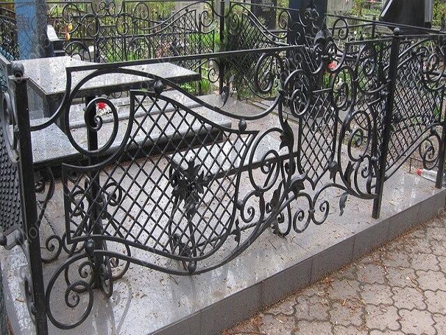 Стандартные размеры оградки на могилу