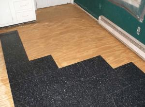 Пвх плитка на фанеру: рекомендации по наклеиванию