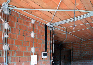Разводка электрики в коттеджах и домах