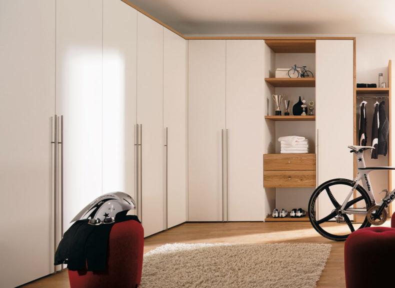 Угловой шкаф-купе в спальню (77 фото): радиусный и полукруглый, наполнение внутри