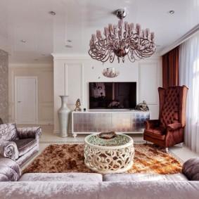 Потолочные люстры для низких потолков: какая в зал, фото для невысоких в гостиной, для комнат в квартире, недорогие итальянские