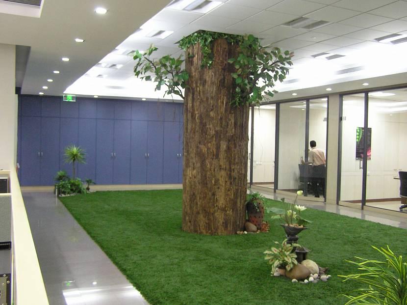 Искусственный газон: виды, преимущества, укладка своими руками