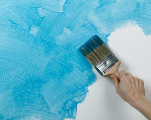 Какой краской можно красить бумажные обои