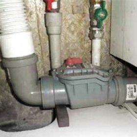 Обратный клапан для канализации: принцип работы, виды и установка