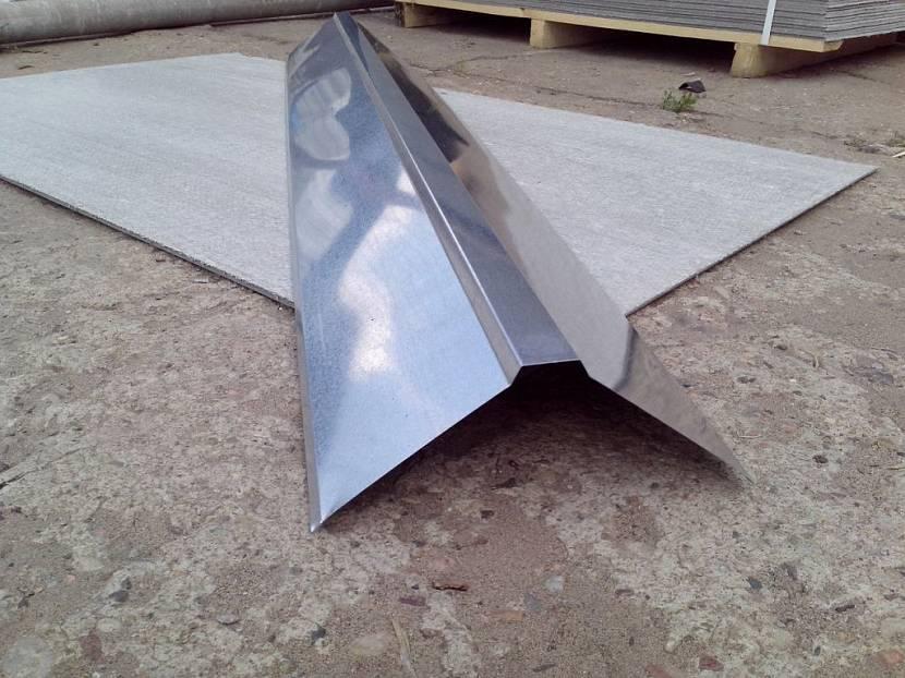 Правильное крепление конька на металлочерепицу - самстрой - строительство, дизайн, архитектура.