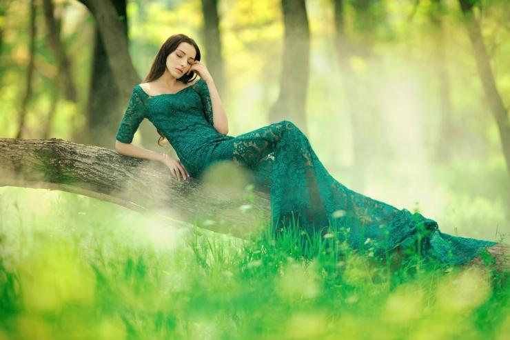 Зеленые волосы (60 фото): темно-зеленый и светло-зеленый цвет волос у девушек. как покрасить короткие и длинные волосы? кислотно-зеленый и другие тона