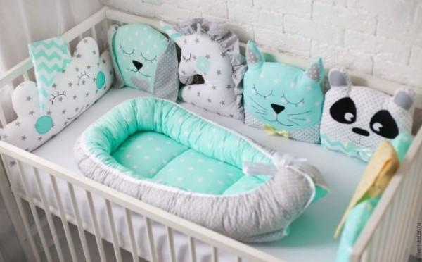 Бортики в кроватку для новорожденных своими руками. выкройки и советы