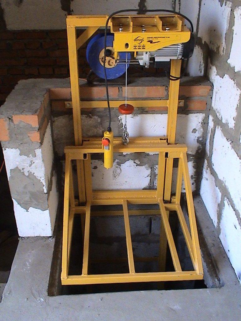 Электроподъёмник (лифт) для погреба