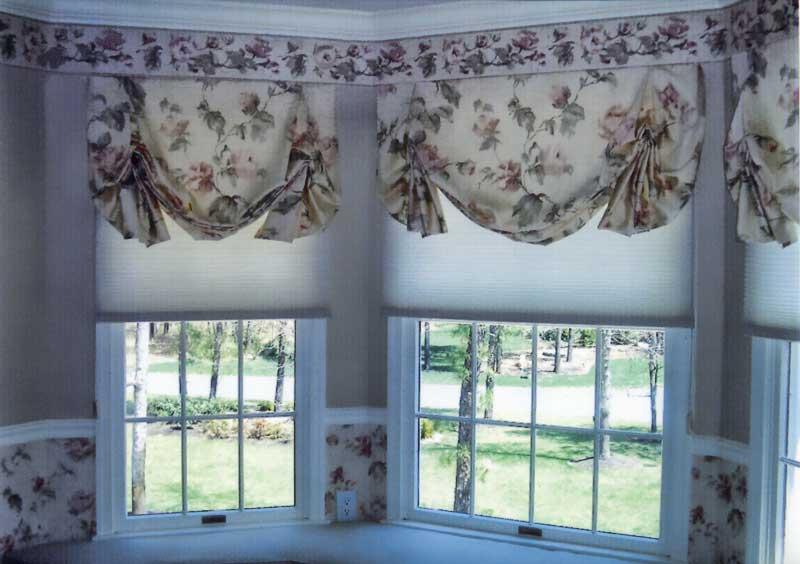 Красивые шторы в спальню - идеи, как можно стильно оформить окна