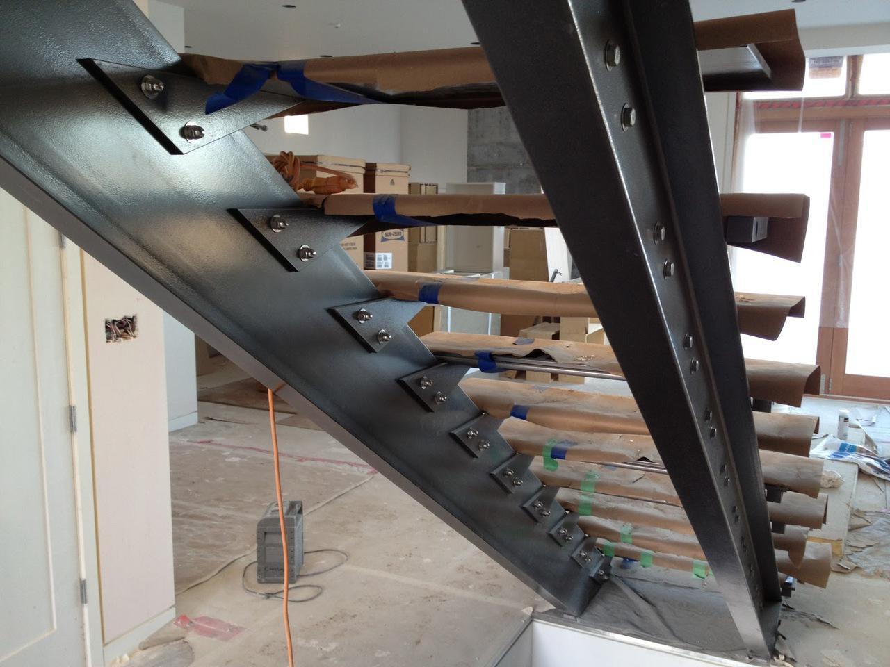 Как сделать лестницу на второй этаж из металла своими руками