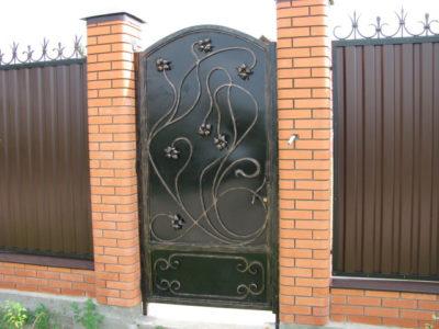 красивые ворота для частного дома