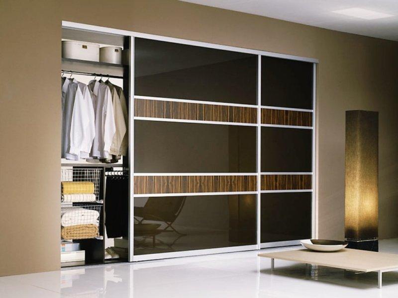 Шкафы-купе в гостиную: разновидности, дизайн, 59 фото-примеров