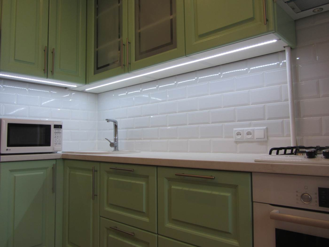 Освещение на кухне: как правильно организовать (110+ фото)