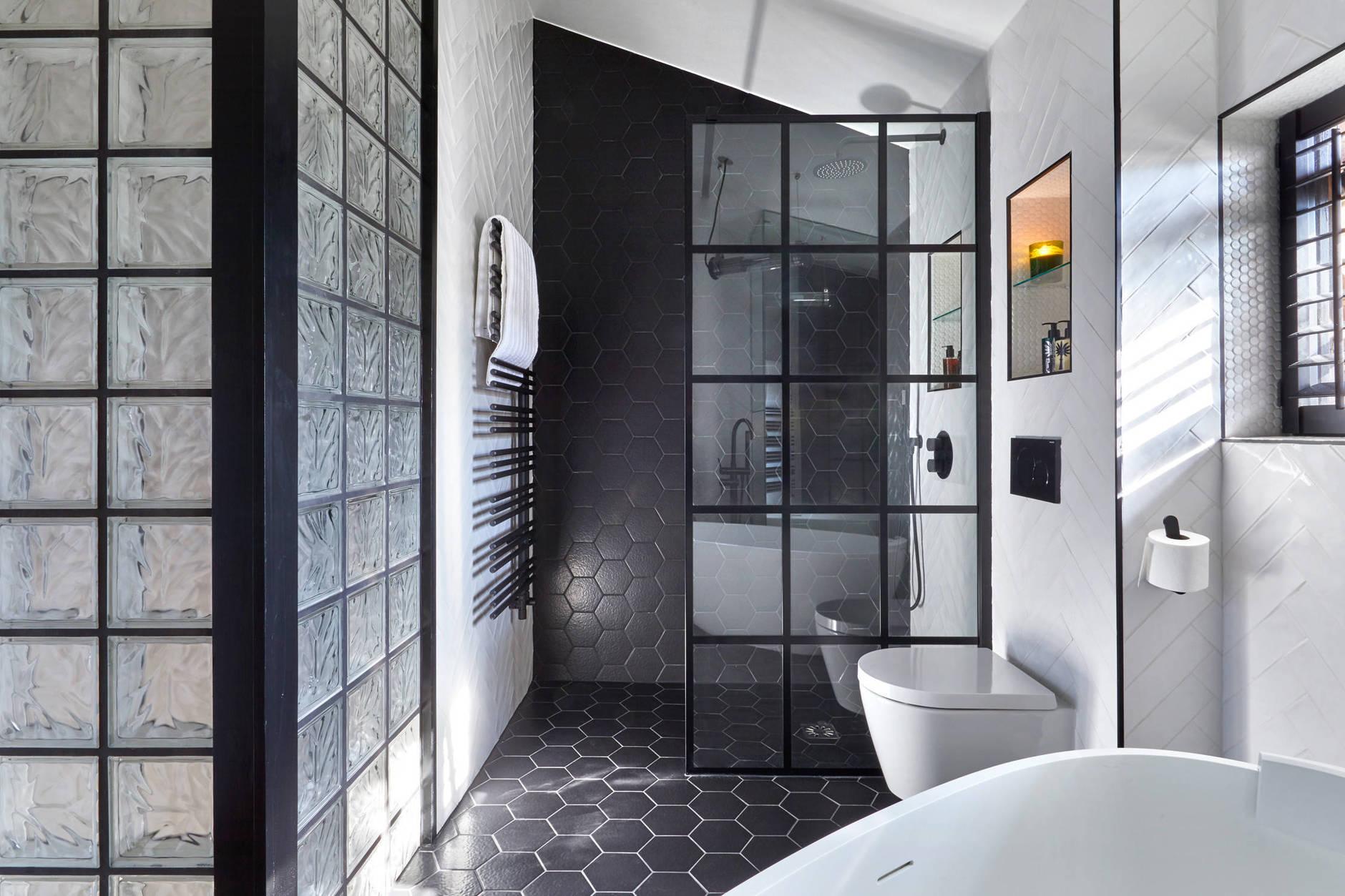 Стеклянные блоки для перегородок в ванной и душевых кабинах