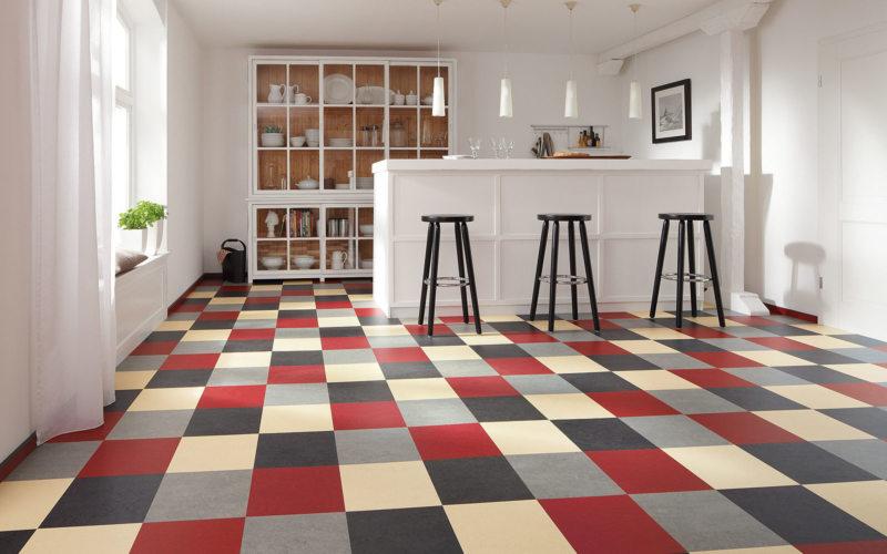 Линолеум в интерьере (47 фото): варианты для гостиной в квартире, как выбрать по цвету, как подобрать сочетание с обоями и с дверью