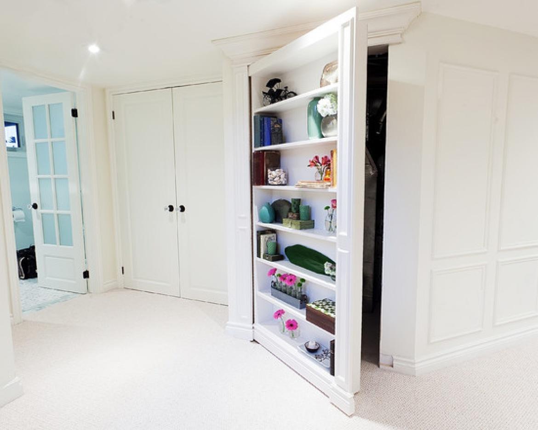 Как сделать в квартире скрытые двери: 6 интересных вариантов