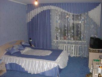Голубые шторы (46 фото): занавески на кухне и в гостиной, примеры в интерьере, сочетание с белым и золотым
