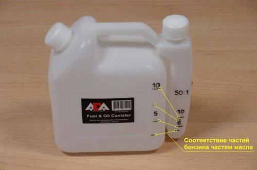 Масло для бензиновых триммеров: какое масло использовать для двухтактной бензокосы и других моделей? как правильно заливать масло в мотокосу?