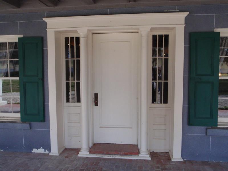 входные двери с терморазрывом для загородного дома