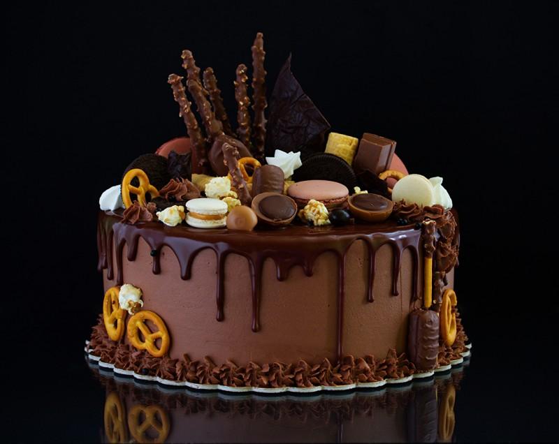 чем украсить торт сверху