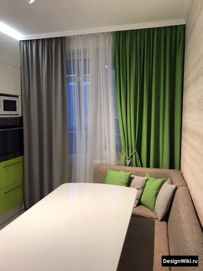 Шторы на кухню с балконной дверью (42 фото): идеи дизайна интерьера