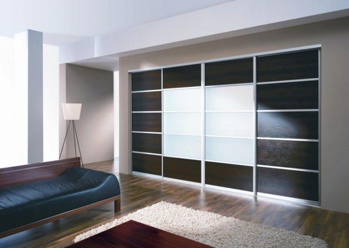 Шкаф купе в гостиную: виды современных моделей — как выбрать
