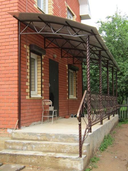 козырек над крыльцом к дому фото